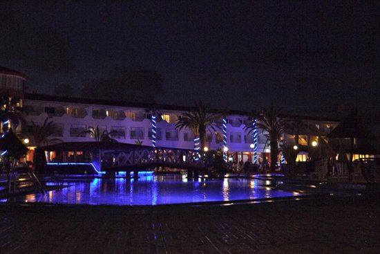 Globales Costa Tropical: The main complex at night...