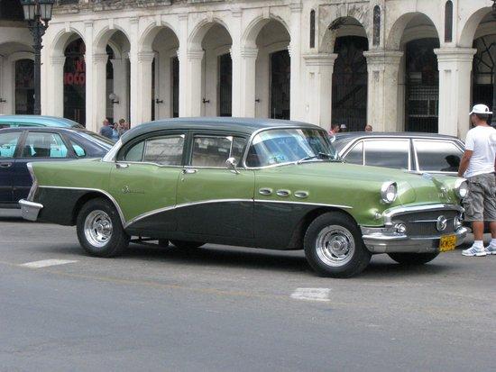 Old Havana: Old Cuban Car