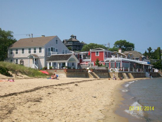 Provincetown Inn Resort & Conference Center: Beach next to hotel