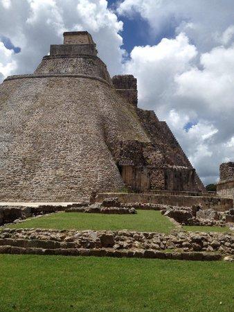 Templos de Uxmal: Pyramide du devin