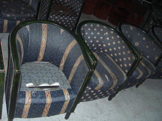 Winzrik Resort & Thalasso Djerba : fauteuils de la discothèque (beurk)