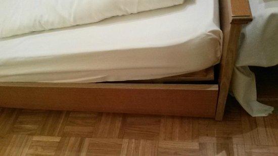 Torrenerhof: Bett kaputt