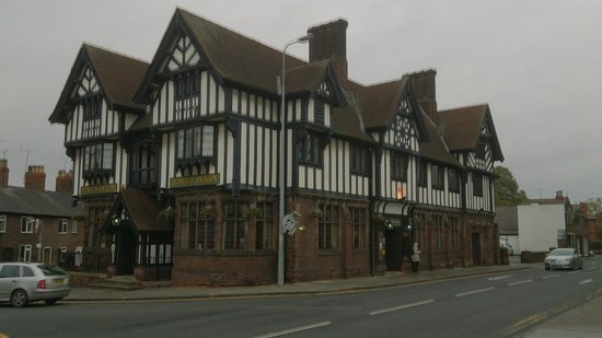 George & Dragon: Spooky Hotel!