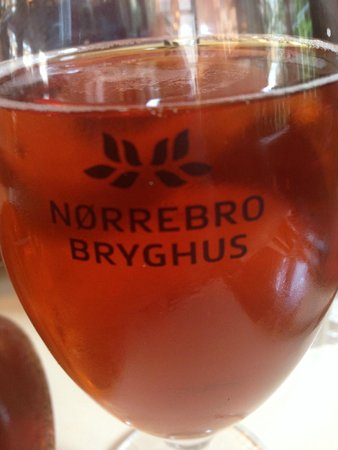 Villa Vino: Large Beer from Norrebro Brewery - New York Lager