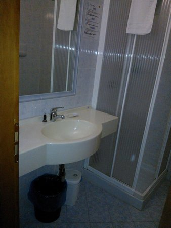 Touring Hotel: bagno