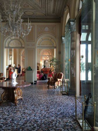 Grand Hotel Cadenabbia: Hall