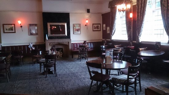 George & Dragon: Lounge Bar at the George