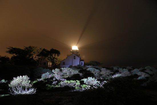 Olympia Lodge: the light house - 3min away - right next to the golf course