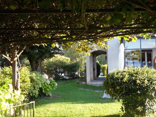 Hotel Il Perlo Panorama: Pergolato Hotel