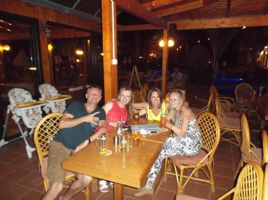 Asterias Village Resort: Restaurant area, having pre-drinks!