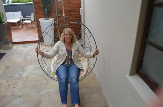 Derwent House Boutique Hotel : Relaxing in the swing