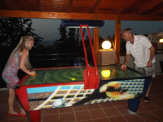 Asterias Village Resort : Quick game of air hockey