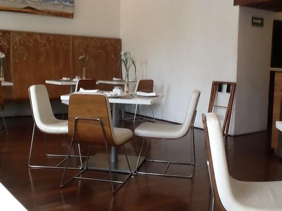 Restaurante 1620: restaurante vacio