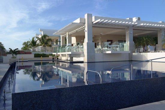 Beloved Playa Mujeres: Main pool