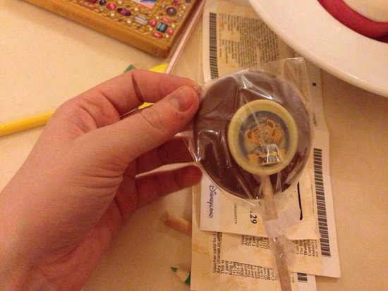 Auberge De Cendrillon : Lolly for kids with desert