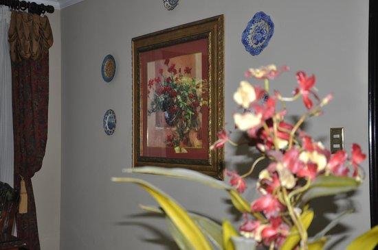 Casa Isabella Costa Rica : Dining room decor.