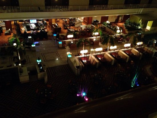 Renaissance Atlanta Midtown Hotel : The view of the lounge area
