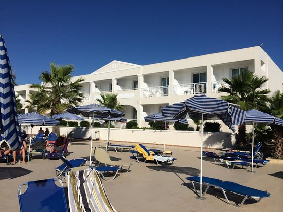 Aquis Sandy Beach Resort: На территории