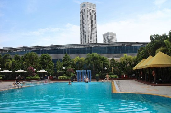 Marina Mandarin Singapore: The pool
