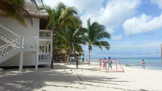 Sunscape Sabor Cozumel: Beach Volleyball steps from the room and steps from the water!
