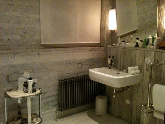 Soho House Berlin: Bathroom
