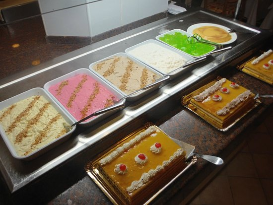 SBH Crystal Beach Hotel & Suites: Dessertbuffet