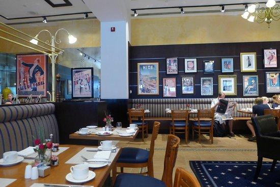 Chez Colette: Dining area