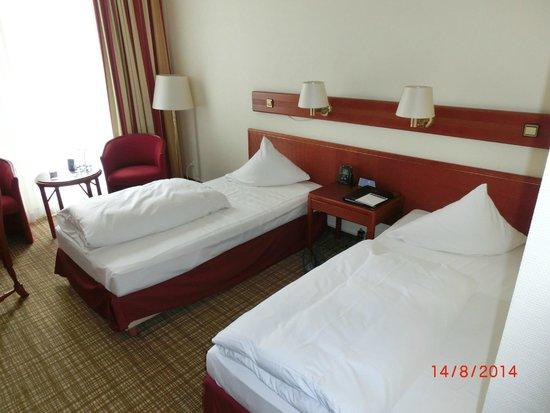 "Hilton Nürnberg: Zweibettzimmer ""Plus"""