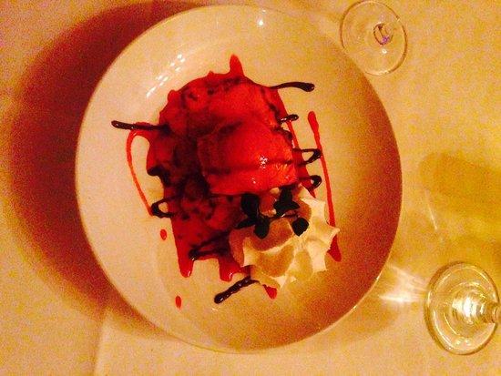 The Brentwood Restaurant & Wine Bistro: Amazing dessert