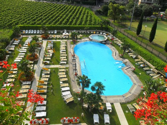 Hotel Savoy Palace - TonelliHotels: our view from the balcony of the outdoor pool