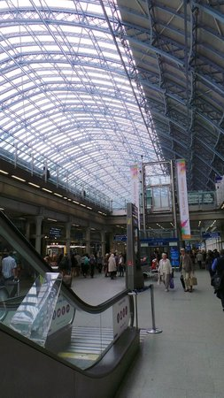 Point A Hotel, London Kings Cross St Pancras: The King Cross Station is fabulous and truly a landmark!!