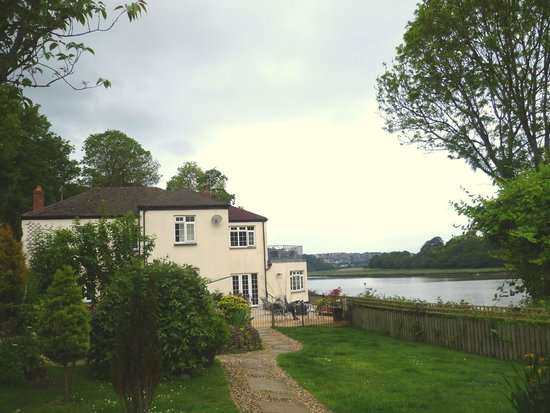 Riverside Cottage Guesthouse : View from the arden with Bideford in the distance
