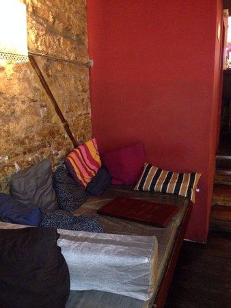 Alsur Café (Palau): Comfy couches.
