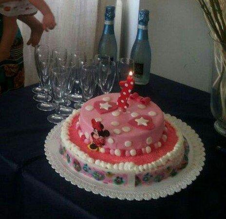 Torta Compleanno Laura.Prima Torta Di Compleanno Di Laura Foto Di Villa Dei Pescatori