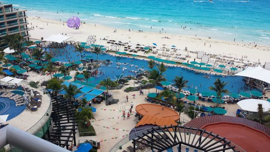 Hard Rock Hotel Cancun : The view from our room