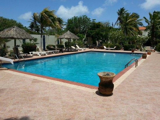 Club Arias B&B: One of 3 pools