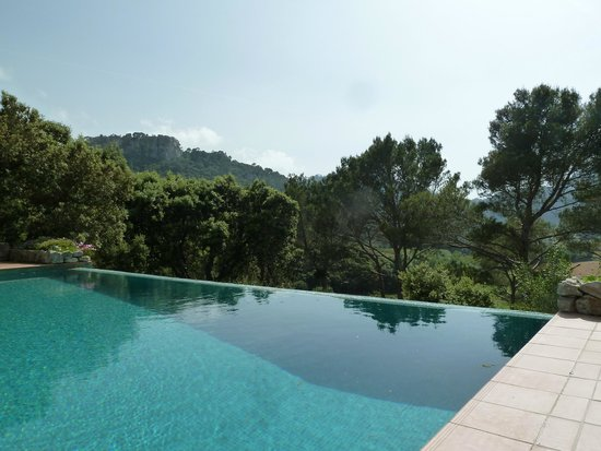 Finca Hotel Son Palou: Superb views from pool