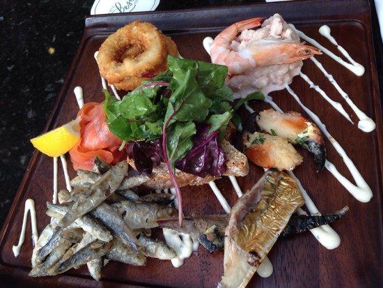Castle Leslie Estate: Fish Platter from the bar menu - main course portion! Devine!!!!!