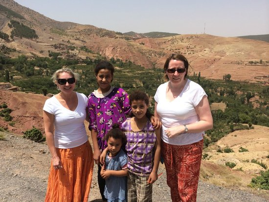 4X4 Camel - Private Day Tours : Berber children