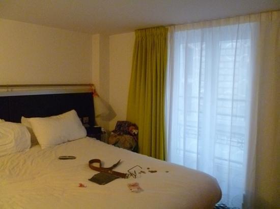 Ibis Styles Paris République Le Marais : bed