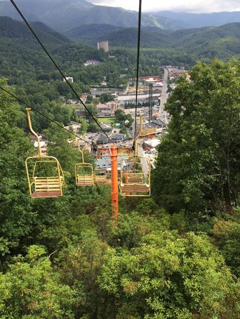 Gatlinburg Sky Lift: Heading down