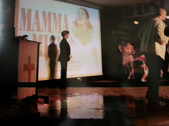 Hotel Flamingo Oasis : Mamma Mia show