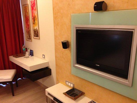 Residency Hotel Andheri : TV