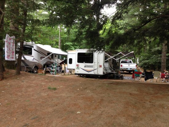 Pemi River Campground: Some sites are closer to your neighbor than others