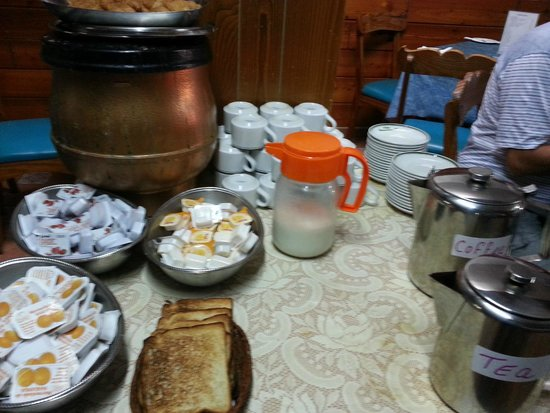 Buccaneers Guest House: The 'continental' breakfast.