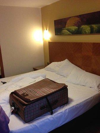 Treacys Hotel Waterford: Bett - ging so