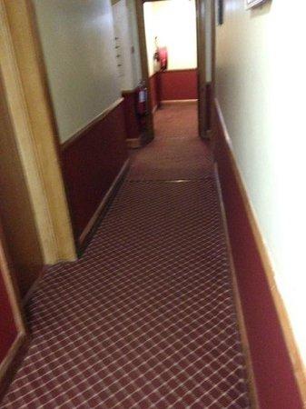 Treacys Hotel Waterford: Verwohnte und verwinkelte Gänge