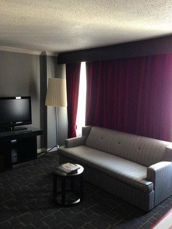 Kimpton Rouge Hotel: TV