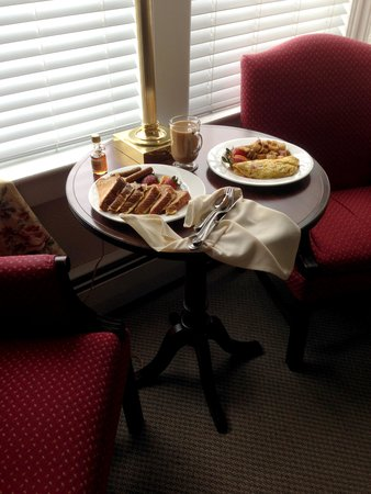 Mountain View Grand Resort & Spa: Room Service