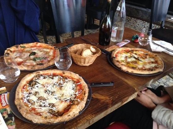 Universita Della Pizza: 3 belle pizze